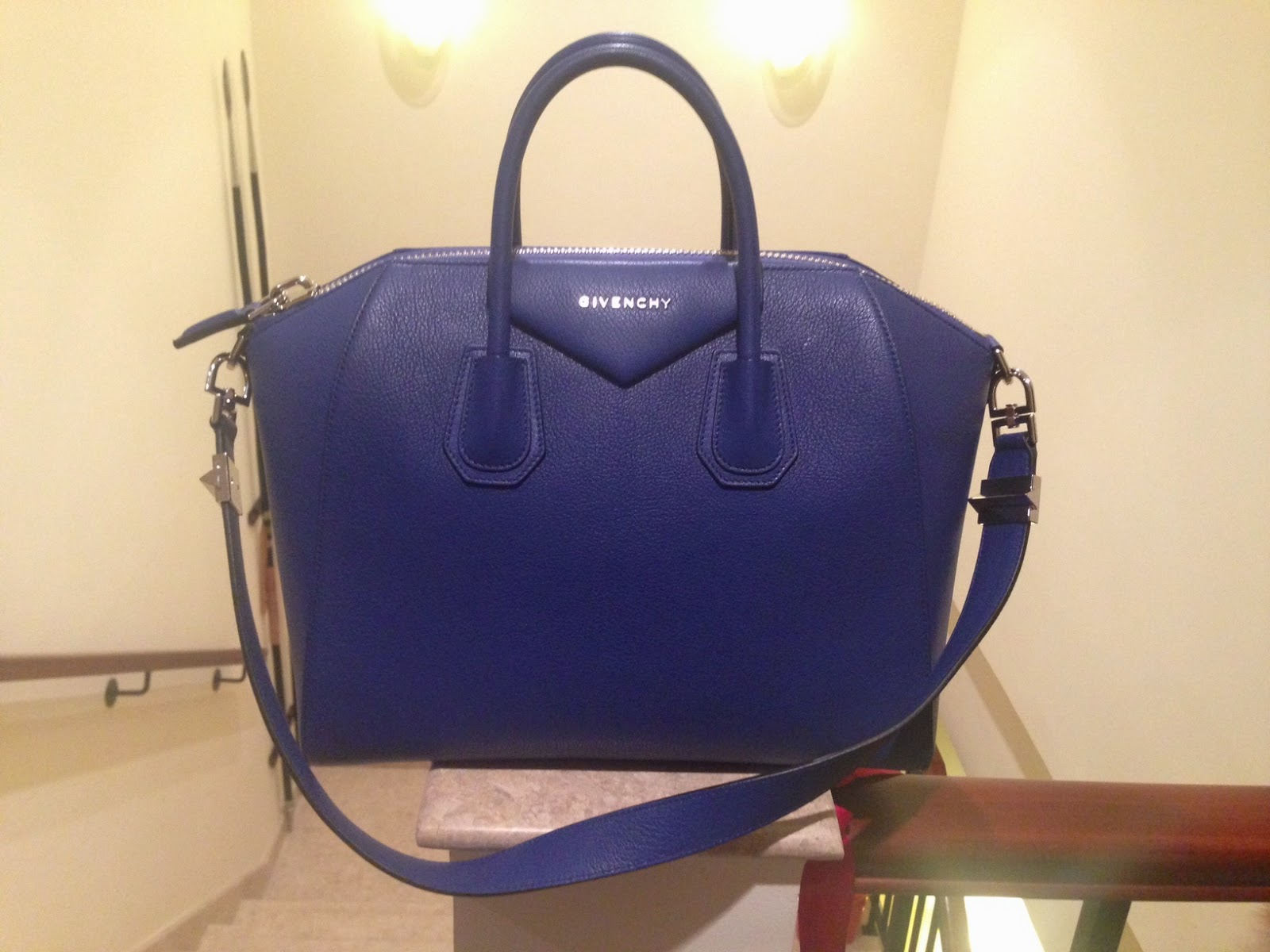 fc867c79ea Bag Review – Replica Givenchy Antigona Medium In Blue Leather